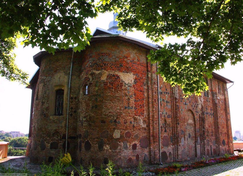 Первый этап реставрации Коложской церкви планируют завершить к концу лета