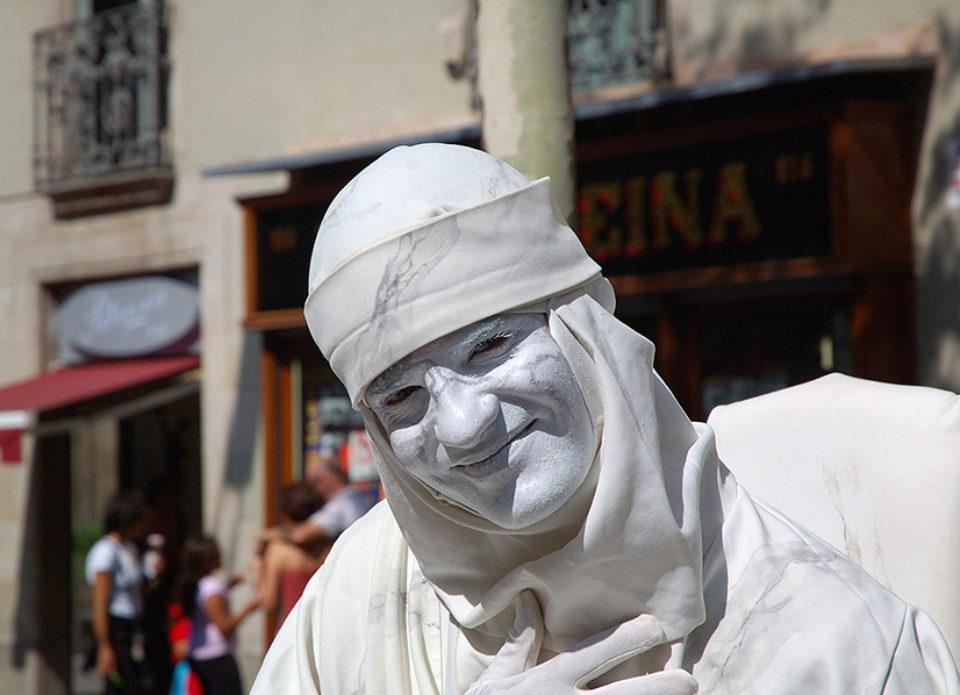 В Испании запрещают «живые статуи»: они мешают проходу туристов