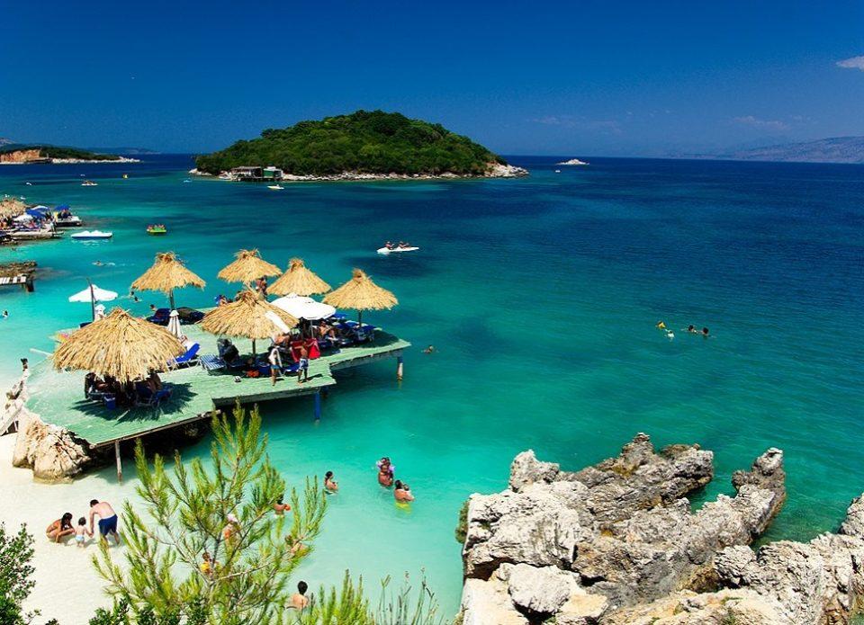 Специальные цены на первый вылет в Албанию от «Аэротрэвел»: от 667 евро на двоих!