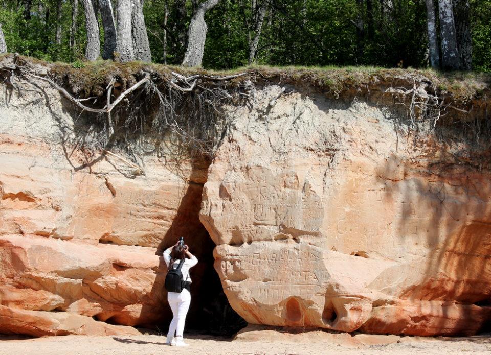 Частные замки, скалистые пляжи и холодные миноги: Латвия, которую мы совсем не знаем!