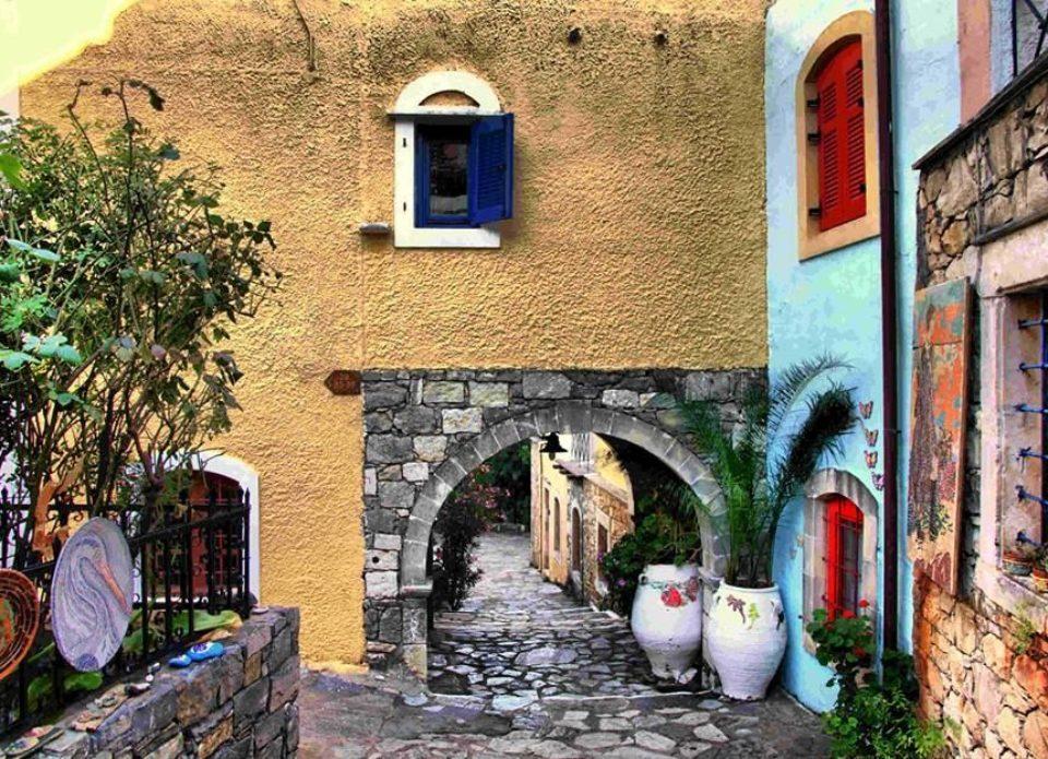 Греция теряет европейских туристов. Как это повлияет на стоимость турпакетов?