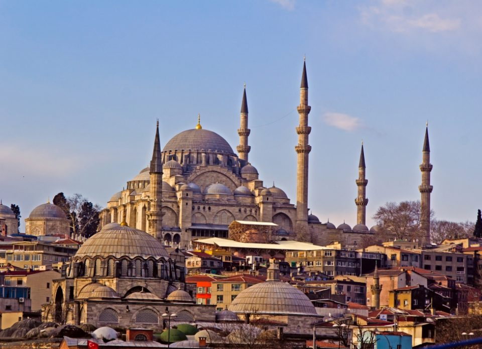 Стамбул принял рекордное число туристов