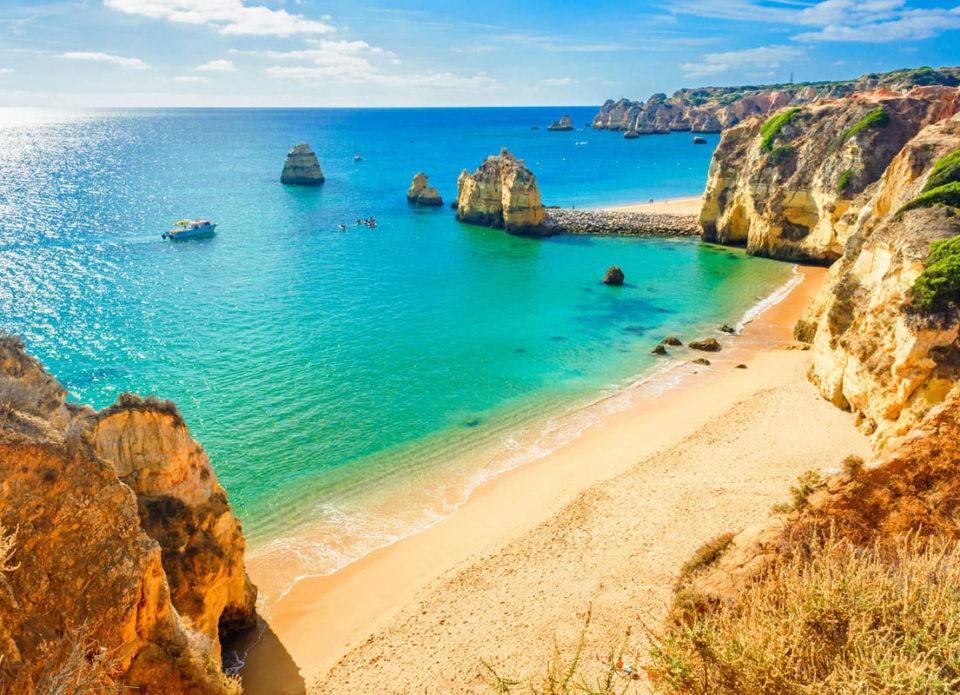 «Португалия с прямым вылетом из Минска – лучший вариант для бархатного сезона»: «Ростинг» о курортах Алгарве