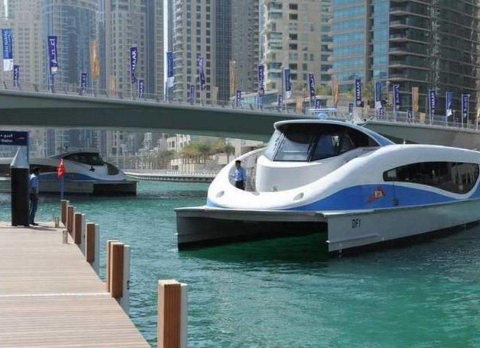 Между Дубаем и Шарджей запустили водное такси