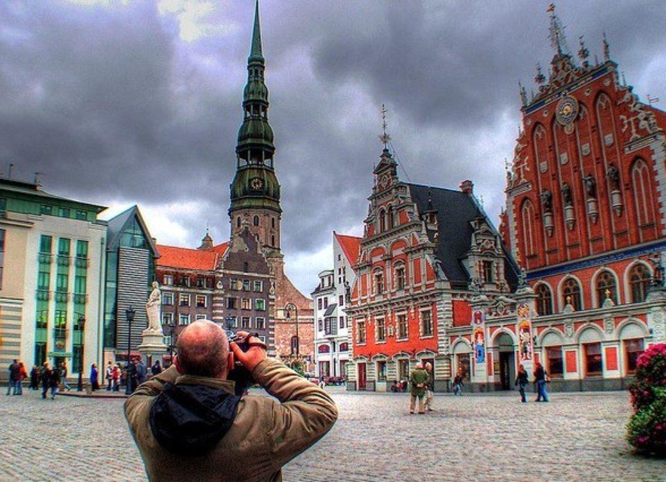 «Как сардины в банке»: в Tez Tour Latvia объяснили, почему Рига не должна становиться Прагой