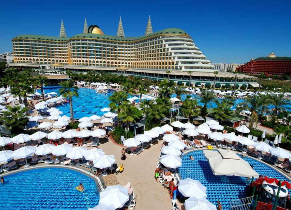 Анталья впервые в своей истории приняла более 15 млн иностранных туристов