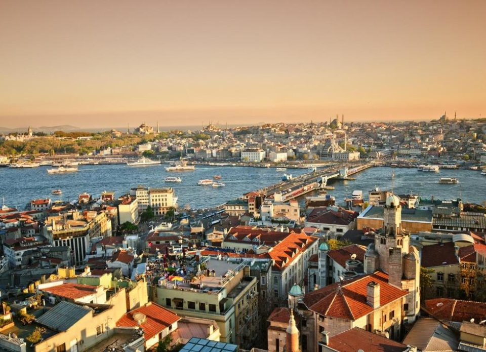 Закон о туристическом сборе в Турции отправлен на доработку