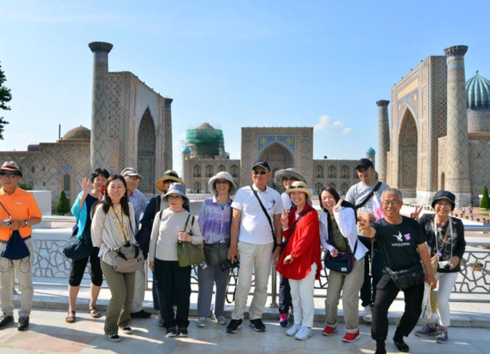 Узбекистан планирует отменить регистрацию для иностранных туристов