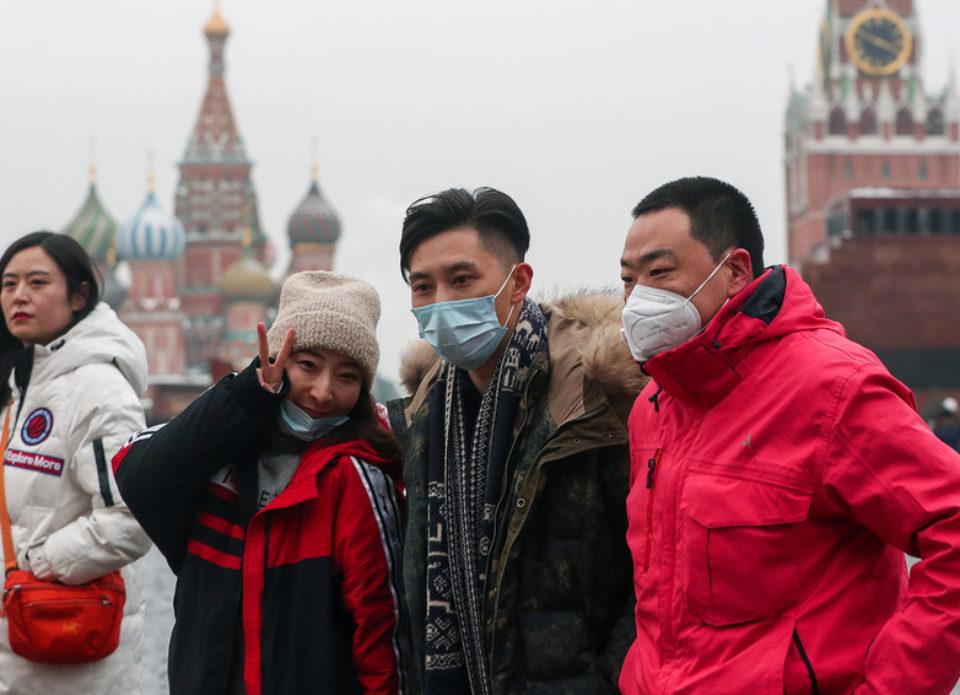 В правительстве России назвали раздутой панику вокруг коронавируса