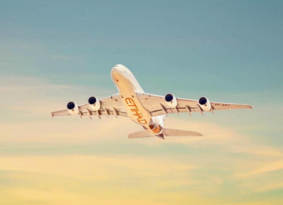EtihadAirways дает возможность сделать одно бесплатное изменение даты либо направления