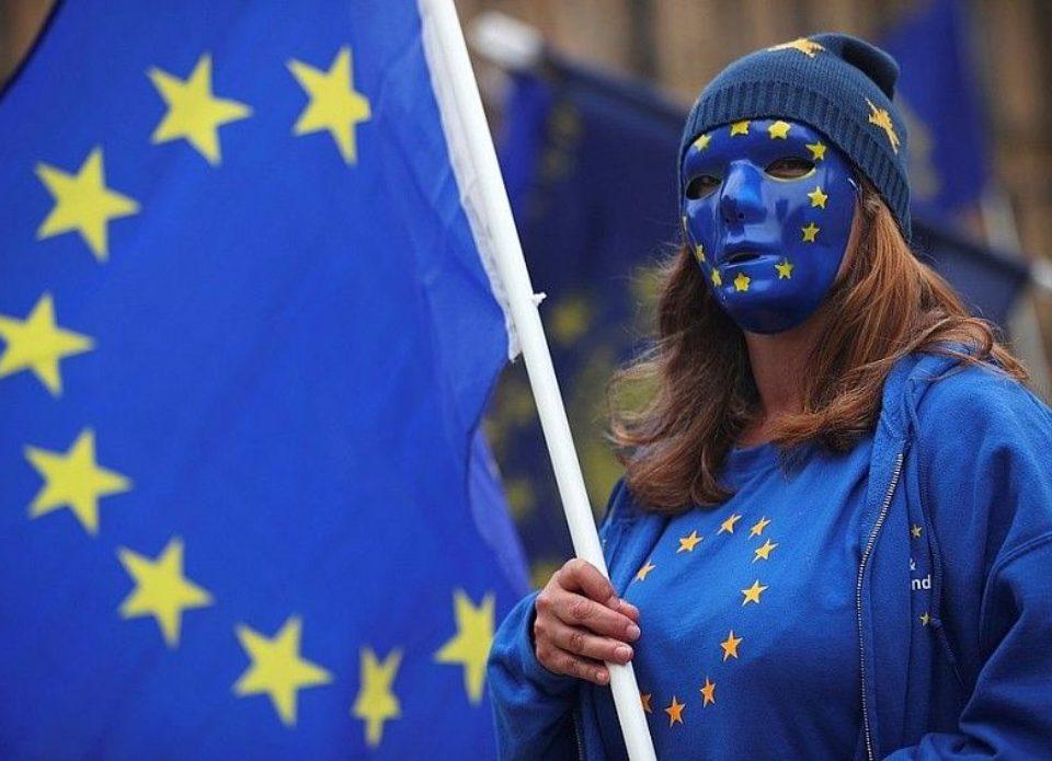 Евросоюз ввел запрет на 30 дней на все поездки на свою территорию