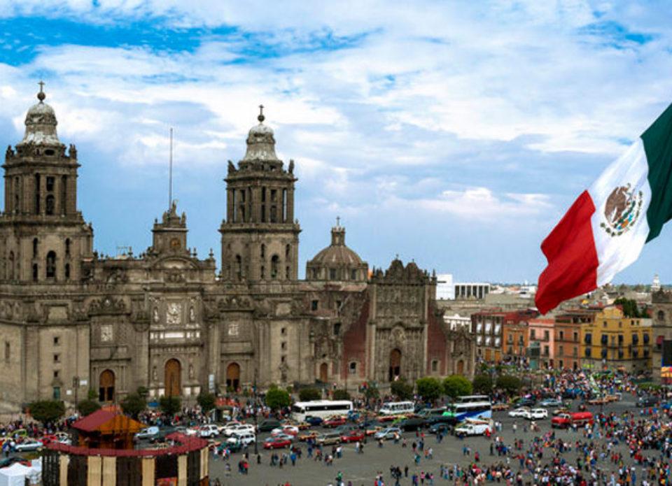 Президент Мексики рассчитывает на отмену карантина с 10 мая