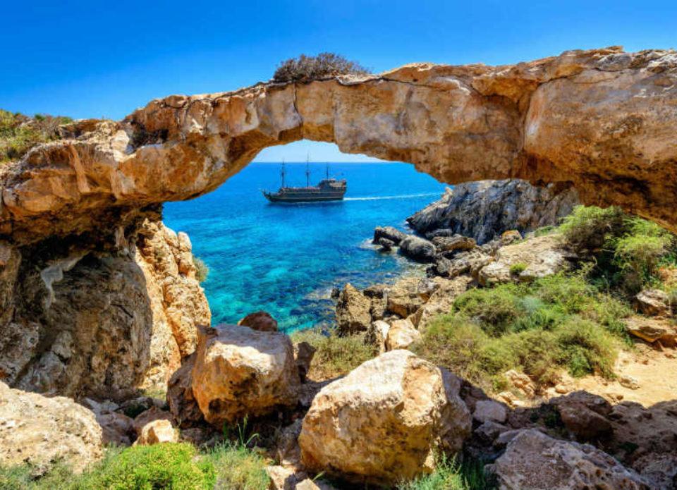 Кипр, как и Греция, намерен определить «белый список» стран