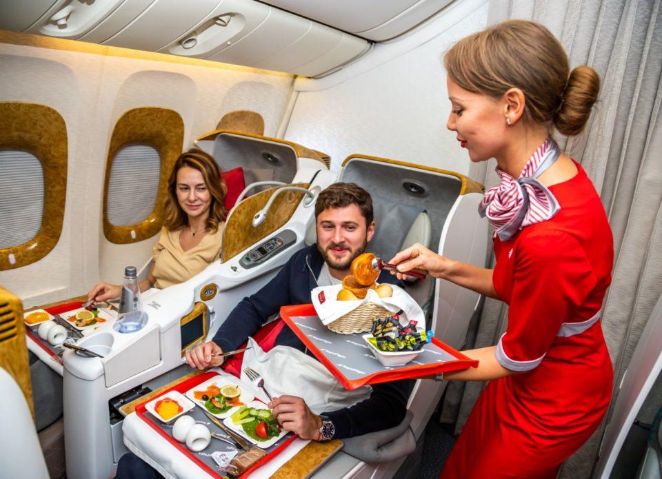 «Новая нормальность» авиапутешествий: маски, тесты, голод?