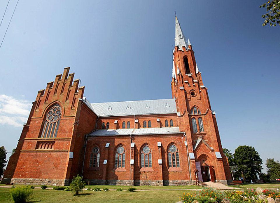 Компания «Виаполь» возобновила экскурсии по Беларуси