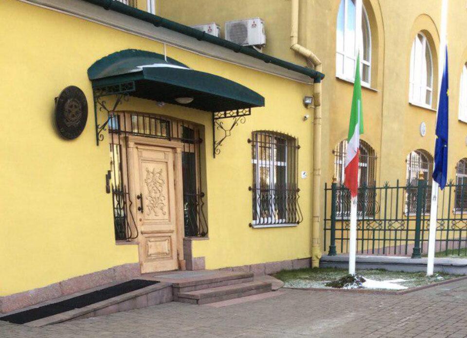 Каким категориям граждан выдает визу посольство Италии в Беларуси?