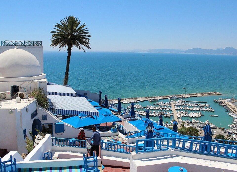 Полетная программа в Тунис отложена до 16 июля