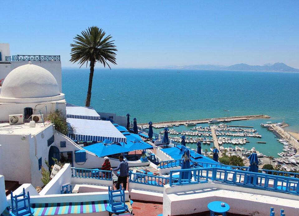 Тунис и еще 11 стран исключены из перечня стран с обязательной самоизоляцией по возвращению