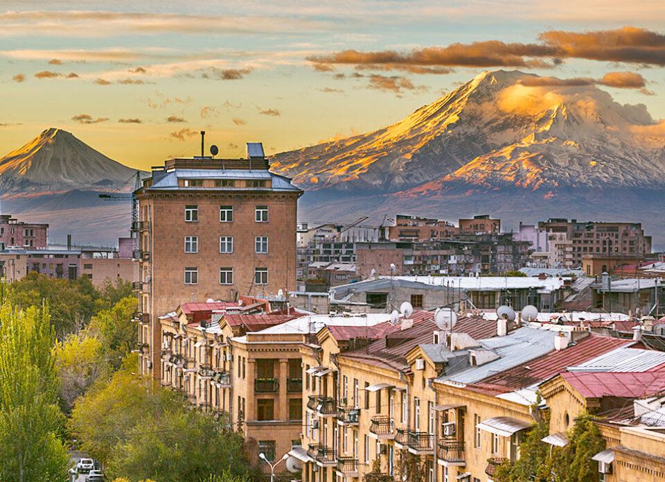 «Белавиа» возобновляет ежедневное регулярное сообщение c Арменией