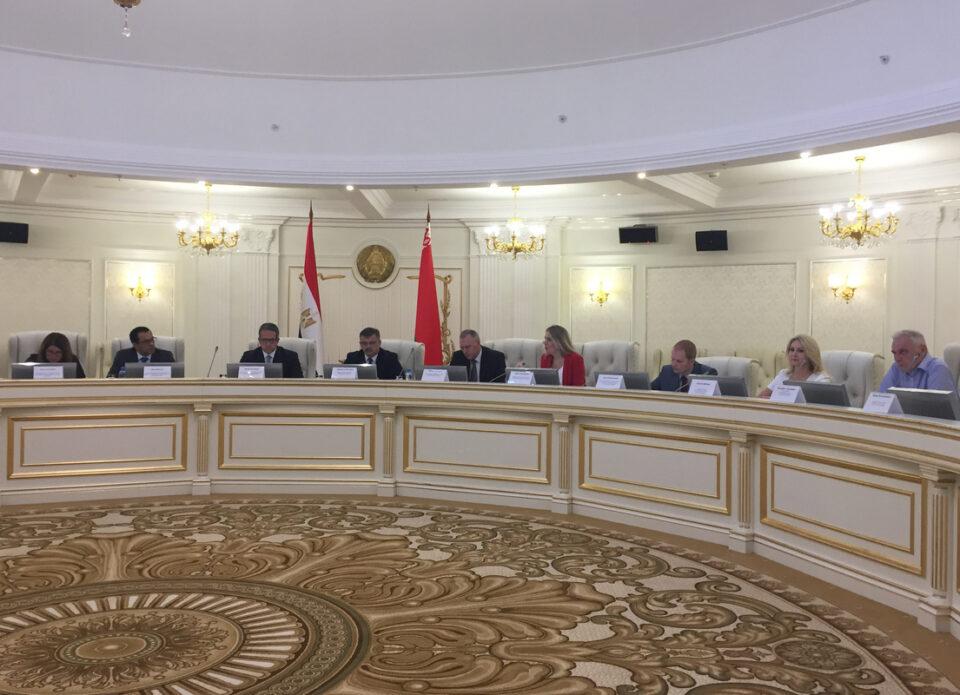 Министр туризма и по делам древностей Египта Халед аль-Анани провел переговоры с представителями турбизнеса