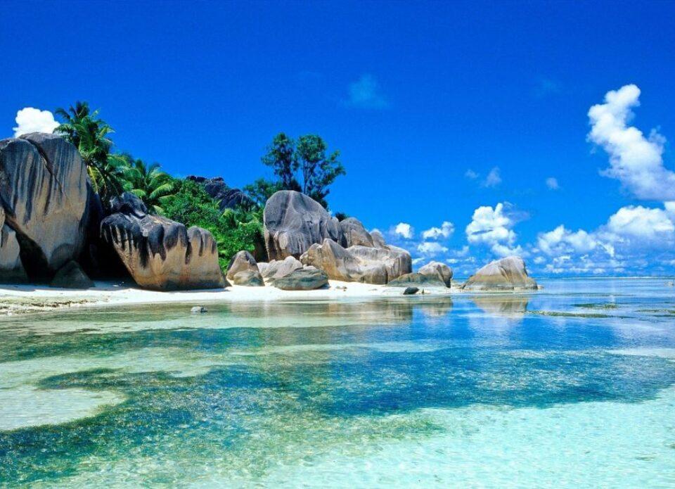 Сейшельские острова открывают коммерческое авиасообщение с 1 августа