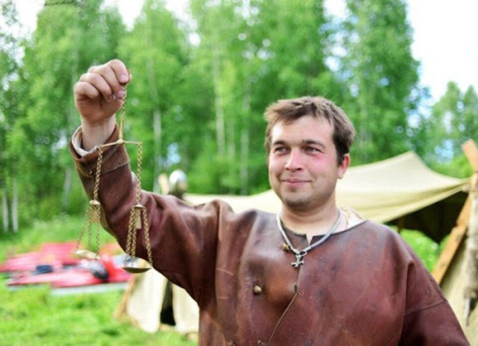 В Беларуси гидов задерживают прямо во время экскурсий