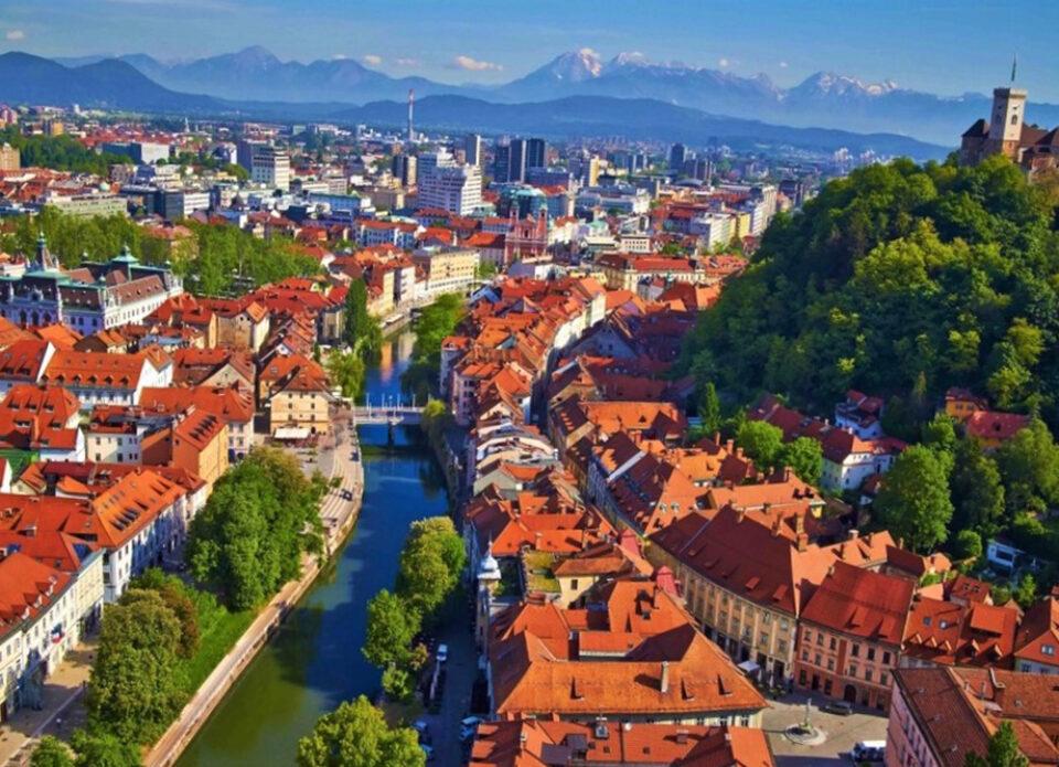 С 28 сентября белорусы могут въезжать в Словению с пцр-тестом и без карантина