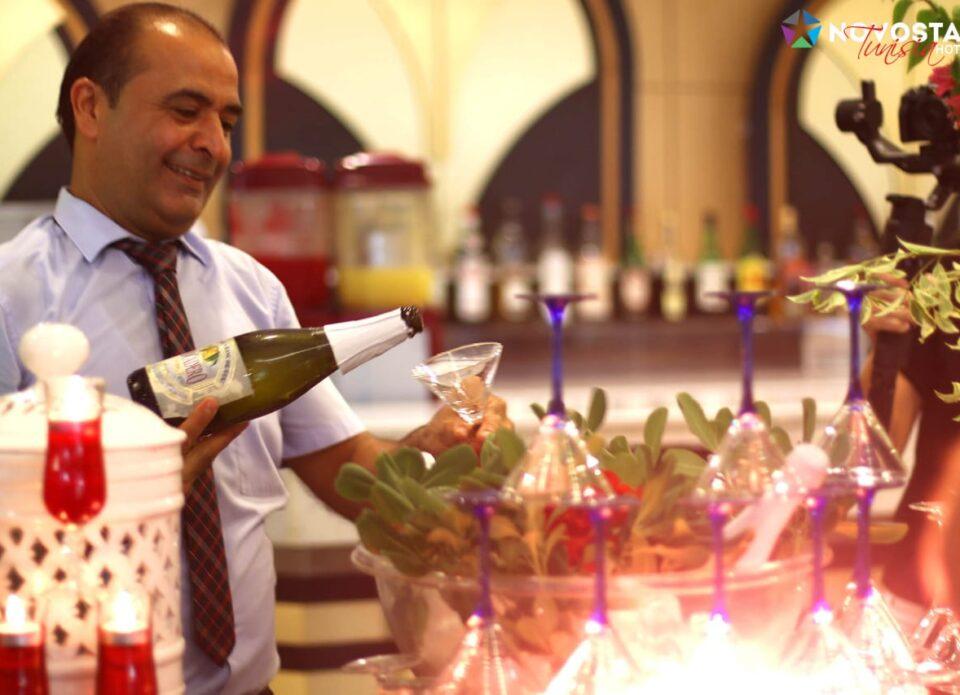 Коктейльная вечеринка в Тунисе