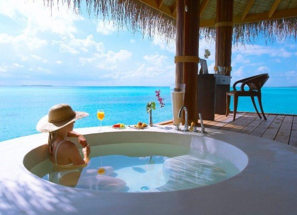 Мальдивы будут начислять туристам мили за лояльность