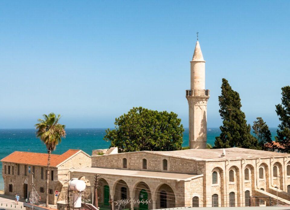 С 19 декабря «Белавиа» будет летать на Кипр