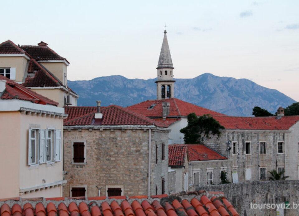 С 22 декабря для въезда в Черногорию туристам необходим пцр-тест