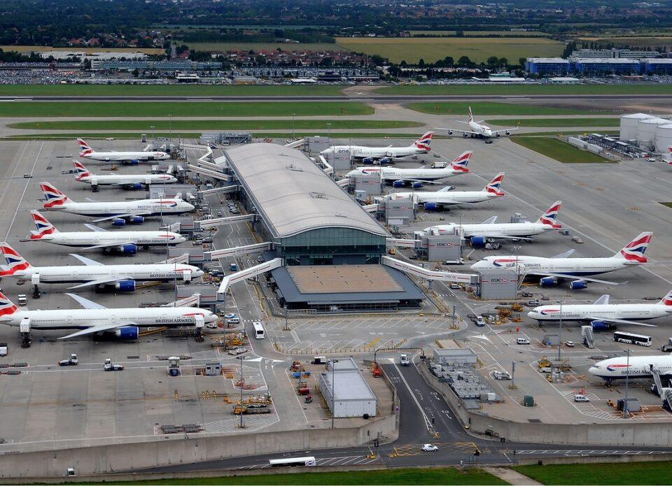 Пассажиропоток европейских аэропортов сократился на 81%