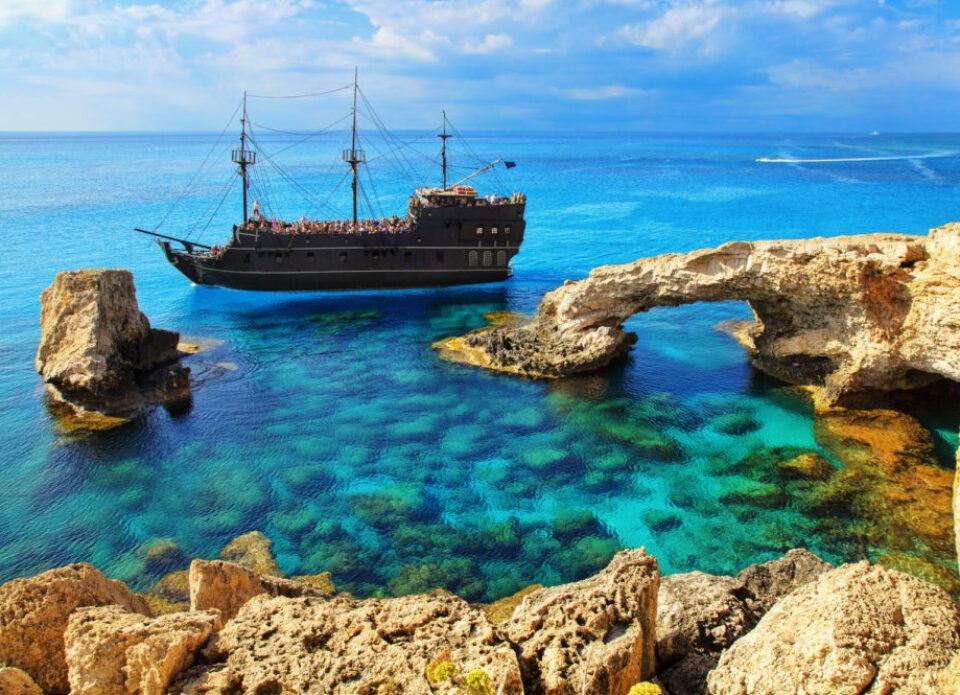 11 марта в 11.00 – вебинар «Кипр – остров любви и красоты!»