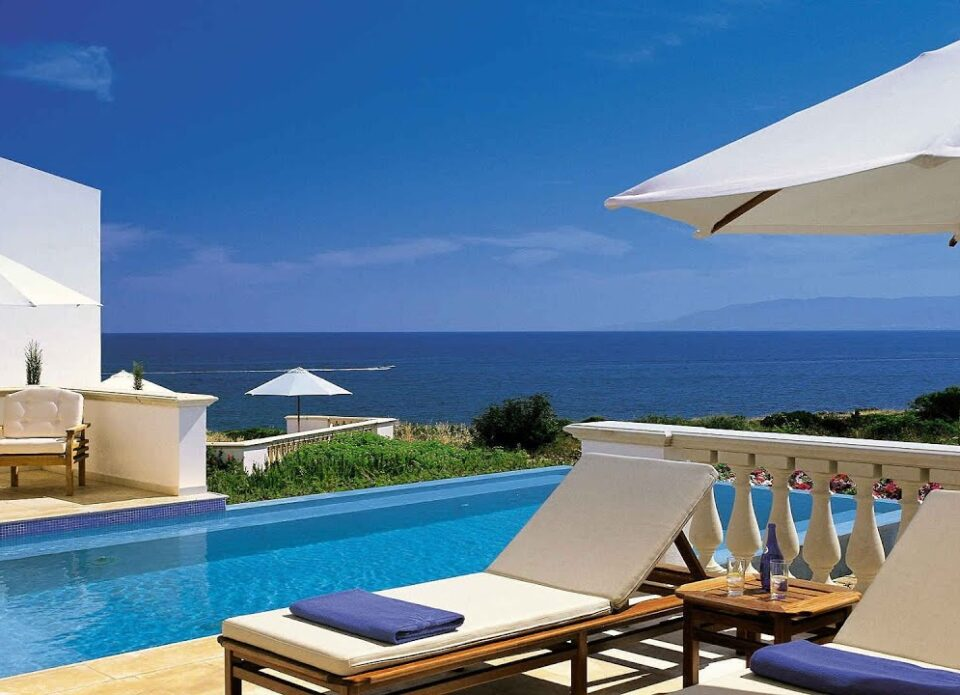 Организованные туристы на Кипре могут покидать отели без ограничений