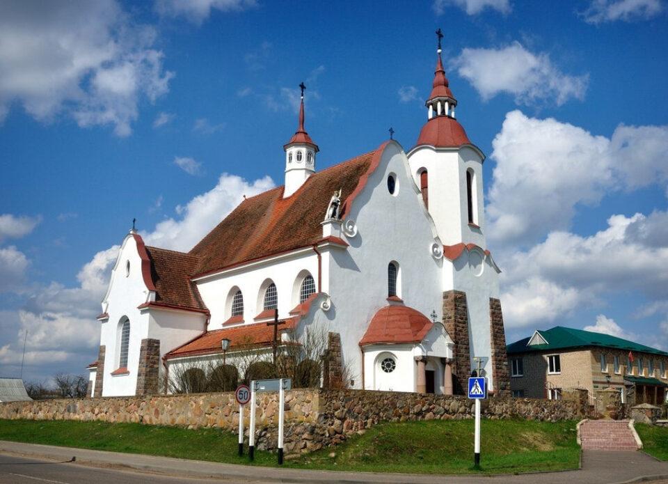 Куда отправиться на экскурсию по Беларуси с компанией «Виаполь» 12 – 18 апреля