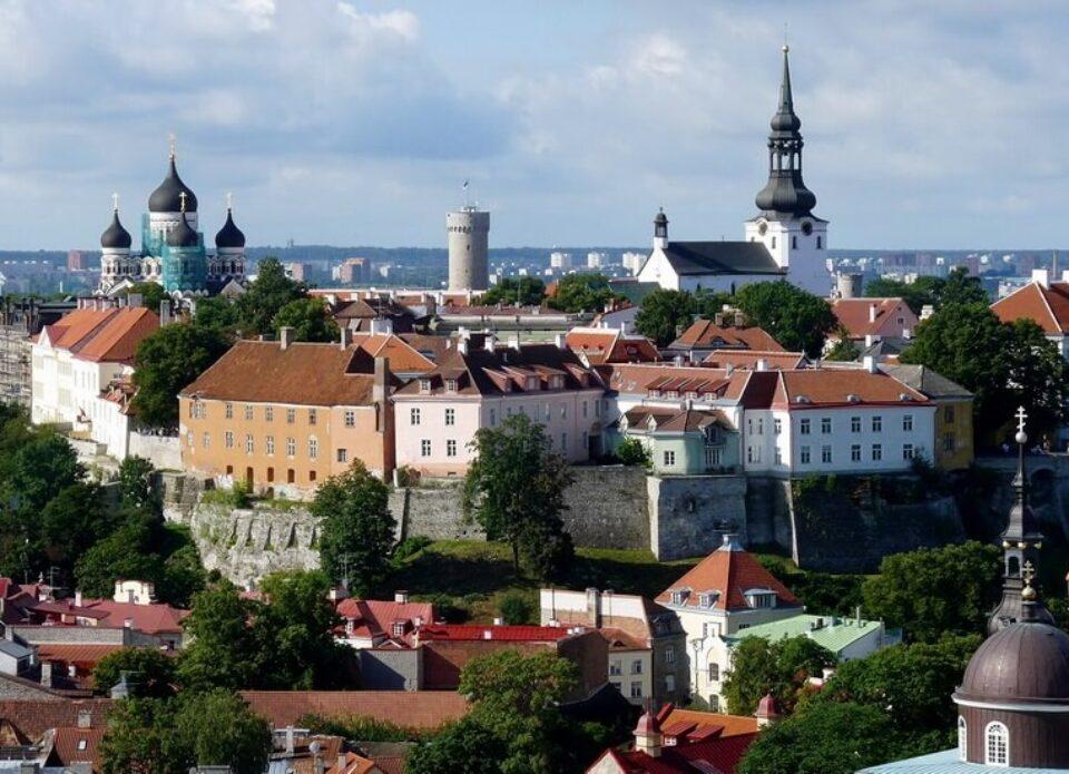 Авиакомпания «Белавиа» отменяет выполнение рейсов в Таллинн