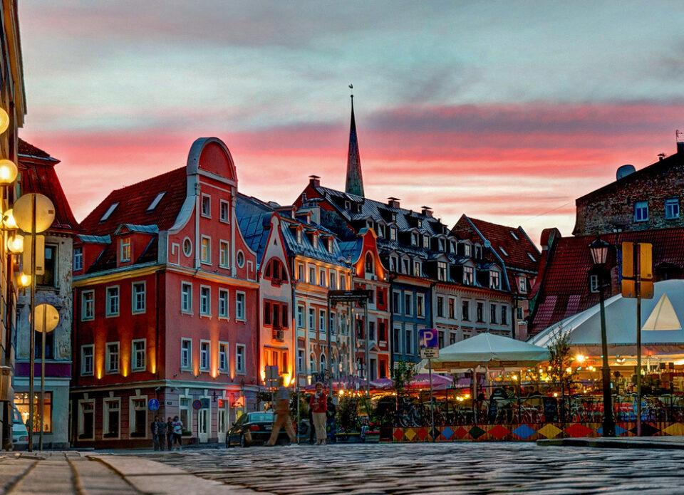 Латвия установила ограничения на авиасообщение с Беларусью