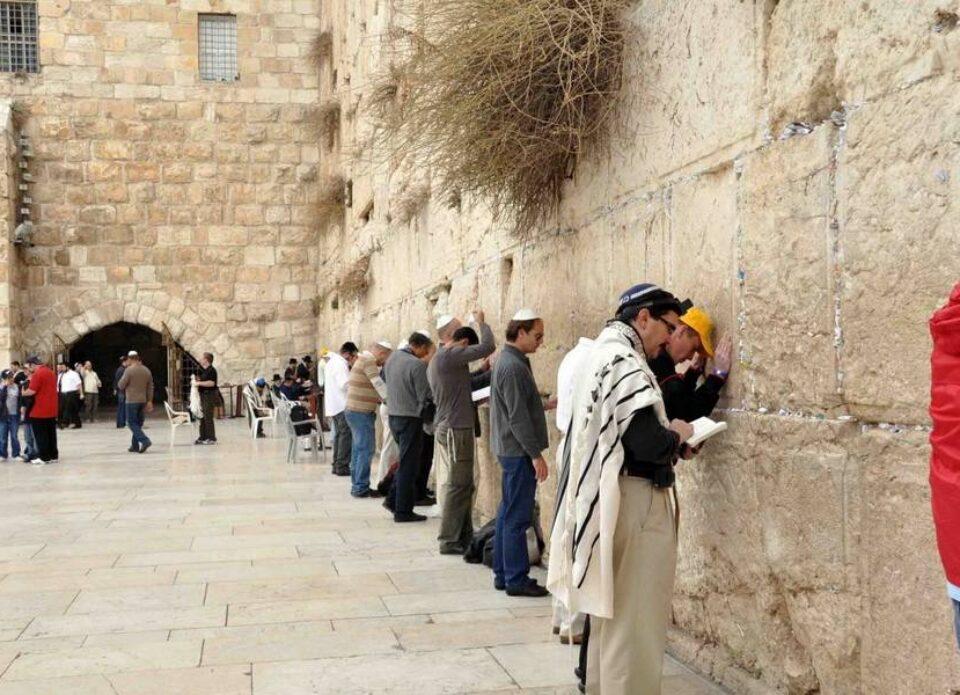 «Белавиа» сокращает количество рейсов в Израиль