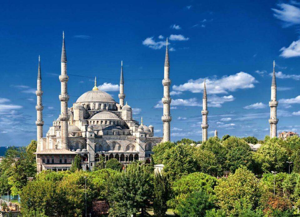 Туристам в Турции все-таки нужны тесты для внутренних перелетов