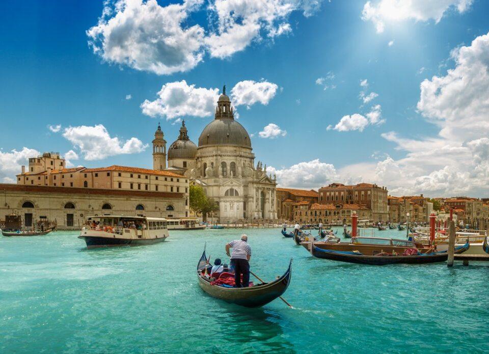 В Италии рассмотрят возможность внесения «Спутника V» в ковид-сертификаты